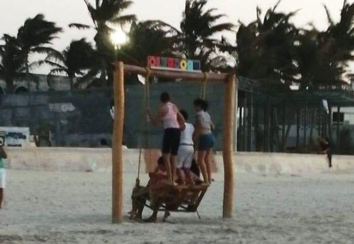 En esta imagen se aprecia el trato que le dan algunas personas a las estructuras públicas en Progreso. (Foto: redes sociales)