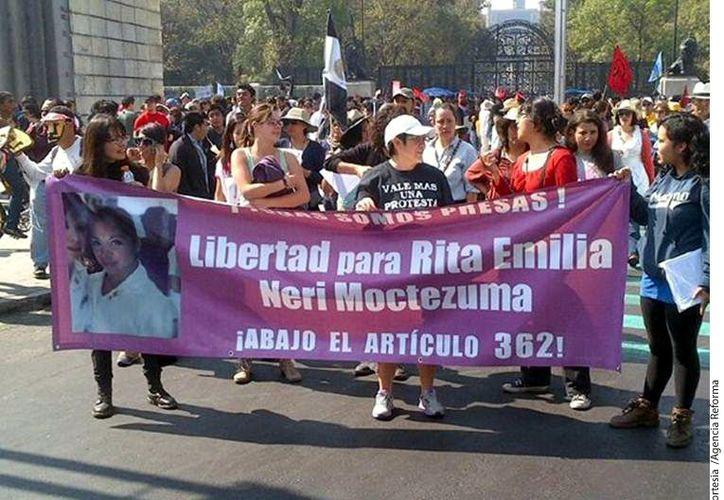 Exigieron en el Zócalo de la Ciudad de México la liberación de los detenidos. (Reforma)