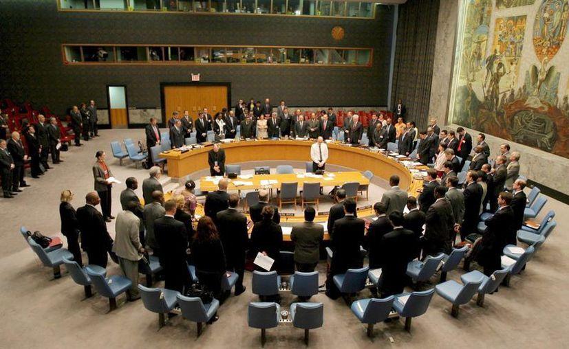 El encuentro se celebró a puerta cerrada y tras el cual ninguno de los embajadores presentes quiso hacer declaraciones a la prensa. (Archivo/EFE)