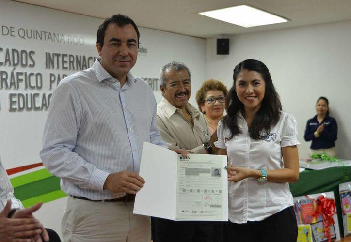 Maestros quintanarroenses recibieron la certificación internacional de la Universidad de Cambridge. (Gerardo Amaro/SIPSE)