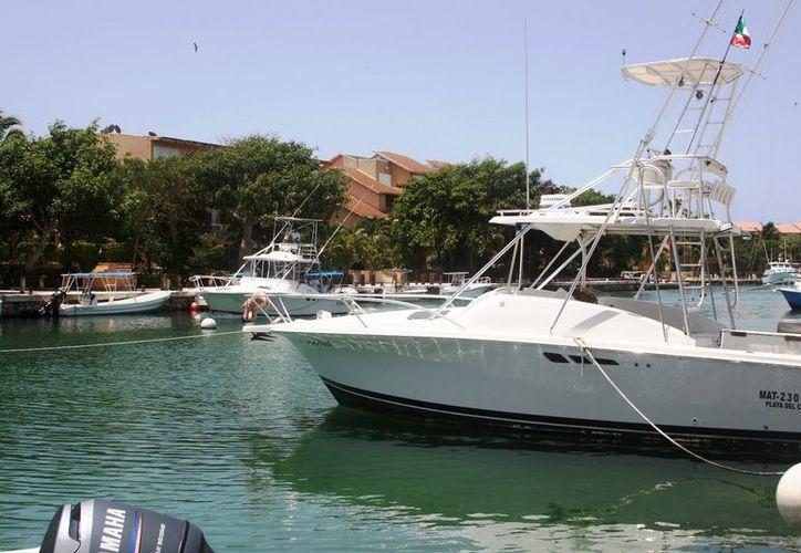 Se invertirán millones de pesos en el interior del complejo turístico de Puerto Aventuras. (Octavio Martínez/SIPSE)