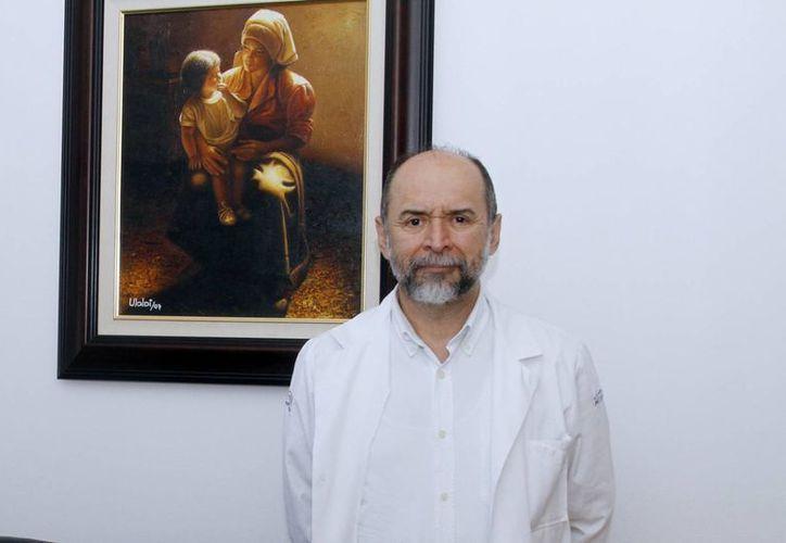 A través de la medicina, el Dr. Vázquez fortalece su espiritualidad y la sana intención de hacer el bien. (Milenio Novedades)