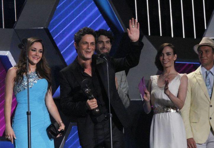 El cantante Alejandro Sanz fue galardonado, durante la décimo primera edición de los Premios OYE! a lo mejor de la música grabada, nacional e internacional. (Notimex)