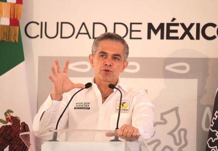 El jefe de Gobierno del Distrito Federal, Miguel Ángel Mancera, dijo que los sectores empresariales no deben sentir temor ante un alza en el salario. (Archivo/Notimex)