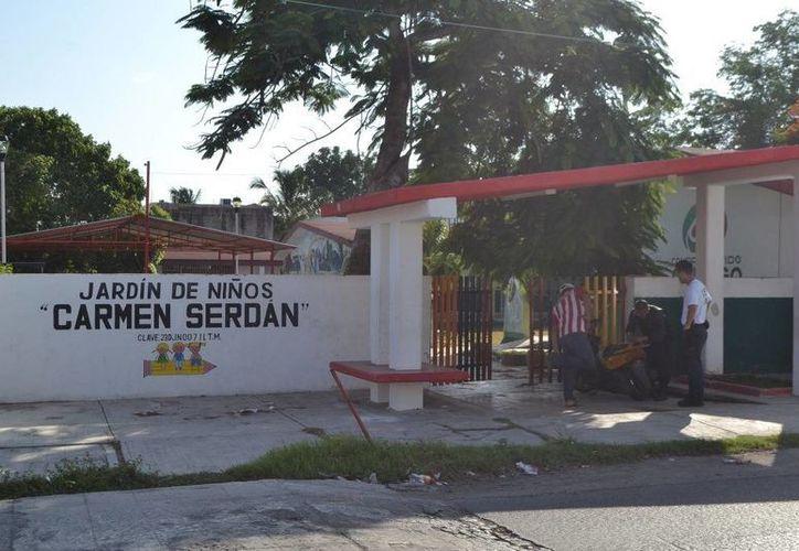 En la escuela Carmen Serdán los amantes de lo ajeno se llevaron artículos con un valor promedio de 35 mil pesos. (Gerardo Amaro/SIPSE)