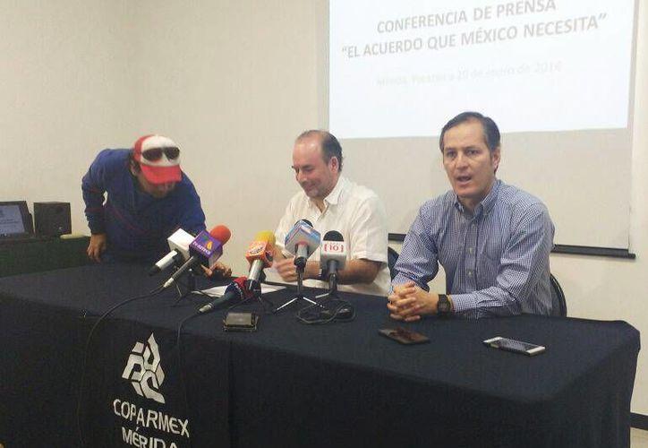 Gustavo Cisneros Buenfil, presidente de la Coparmex-Yucatán, precisó que la organización no se sumó al pacto convocado ayer por el Gobierno de Enrique Peña Nieto, por considerarlo incompleto. (Candelario Robles/Milenio Novedades)