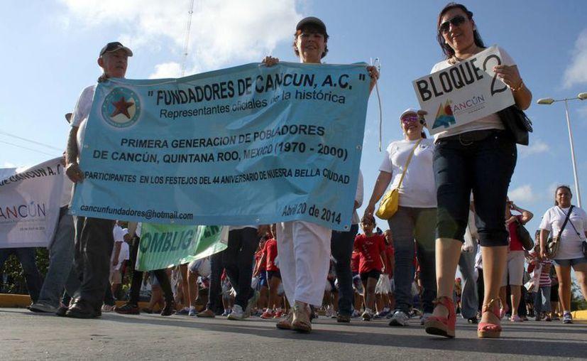 Uno de los bloques que participaron en el evento. (Sergio Orozco/SIPSE)