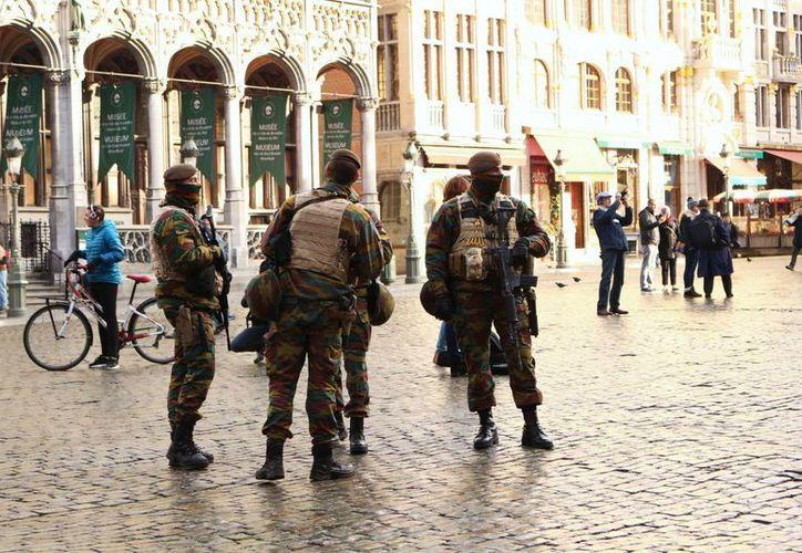 La alerta máxima que se dio en Bélgica por un posible atentado terrorista 'congeló' la vida comercial en Bruselas. (Archivo/Notimex)