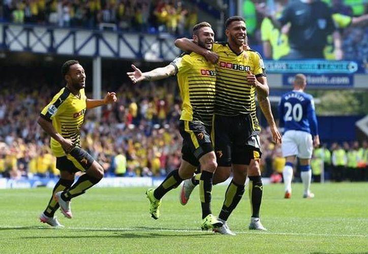 Miguel Layún debutó con gol en la premier league con el Watford, el mexicano jugó sus primeros 59 minutos en la máxima categoría del futbol inglés.(AP)