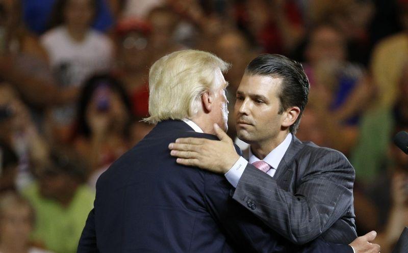 Exhiben a Trump con ruso que se comunicó con su hijo
