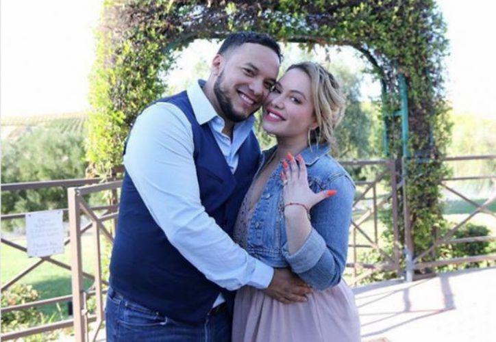 La escena del anillo en The Riveras, ocurrió haces meses, antes de que la pareja entrara en problemas. (Internet)
