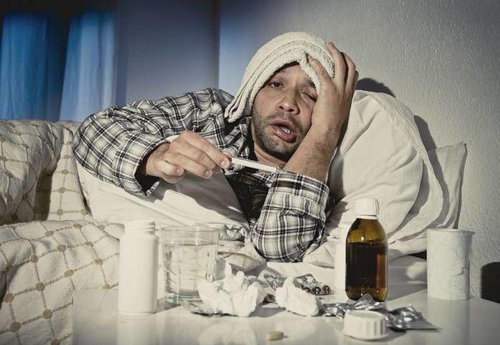 La gripe y el resfriado son enfermedades diferentes y una no deriva en la otra, advierten expertos. (sinembargo.com)