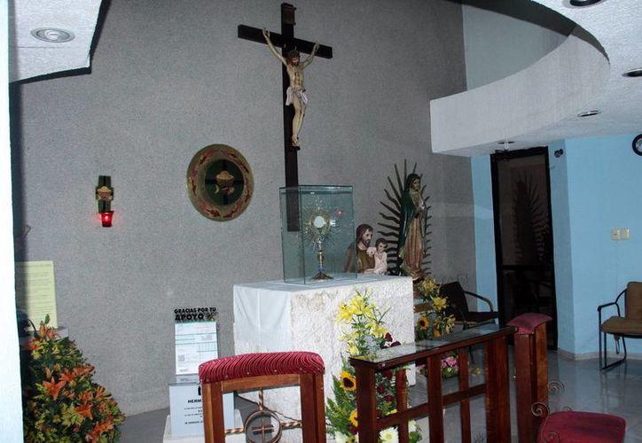 Los adoradores comprometidos apoyan de forma voluntaria. Imagen de una  Capilla de Adoración Perpetua en el norte de Mérida. (Milenio Novedades)