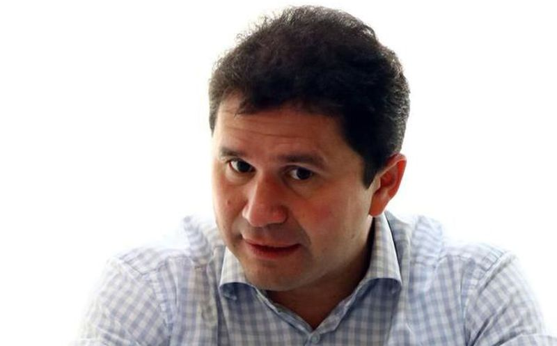 """El candidato del PRI al gobierno del estado, Mauricio Sahuí Rivero presentó 800 notas falsas conocidas como """"fake news"""" difundidas en portales falsos. (SIPSE)"""