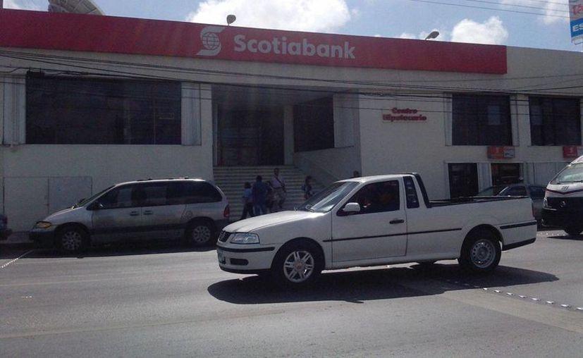 El robo se efectuó en un banco ubicado sobre la avenida López Portillo. (Redacción/SIPSE)