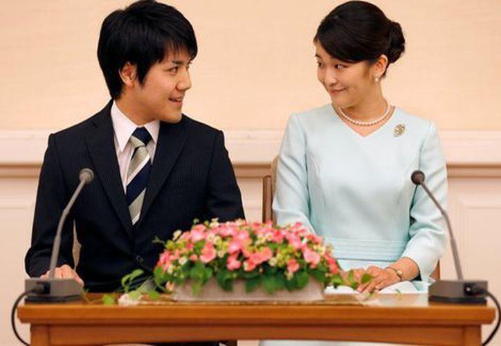 La boda de la princesa Mako y su prometido Kei Komuro se pospone. (Reuters)