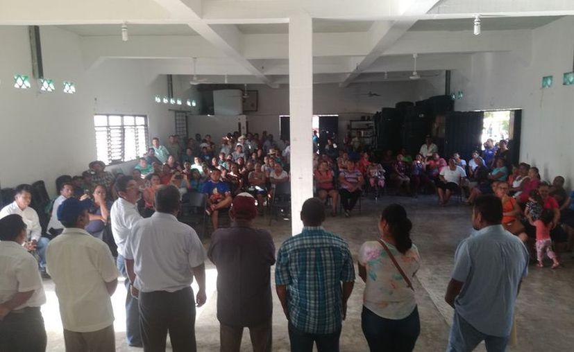 Ejadatarios de las 14 comunidades que integran la Ribera del Río Hondo se manifestarán en contra de la construcción de una fosa común, en Pucté. (Carlos Castillo/SIPSE)