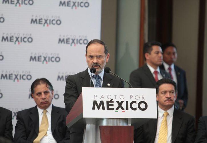 Gustavo Madero aseguró que el partido blanquiazul está al ciento por ciento para cumplir los 95 compromisos que incluyen el pacto. (Archivo/Notimex)
