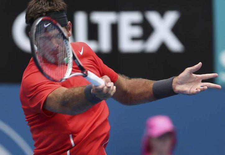 Del Potro superó 6-4, 3-6 y 6-3 a Radek Stepanek y calificó entre los cuatro mejores tenistas del torneo de Sidney. (Agencias)
