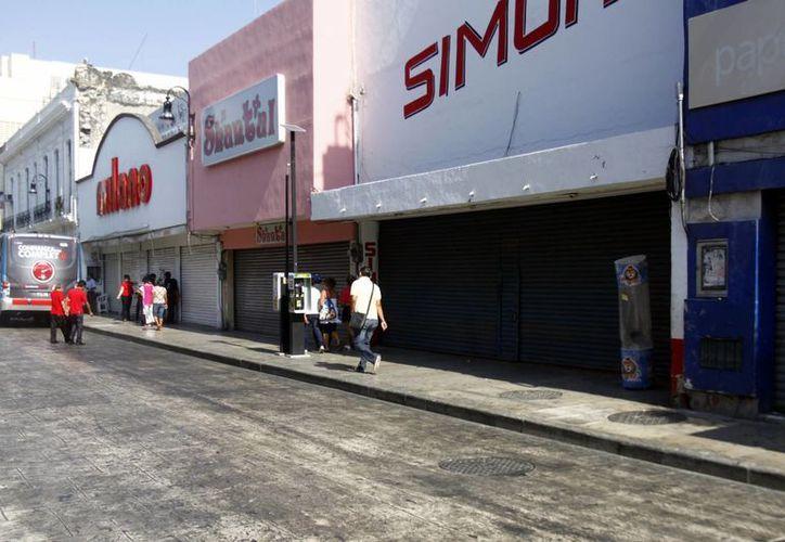 La calle 65 entre 58 y 60 estuvo libre de puestos de vendedores informales. (Christian Ayala/SIPSE)