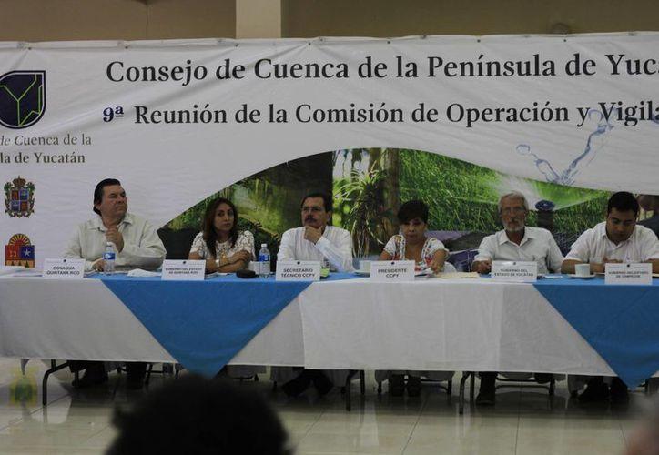 Las autoridades tuvieron la novena sesión de la Comisión de Operación y Vigilancia del Consejo de Cuenca de la Península de Yucatán realizada en Chetumal. (Harold Alcocer/SIPSE)