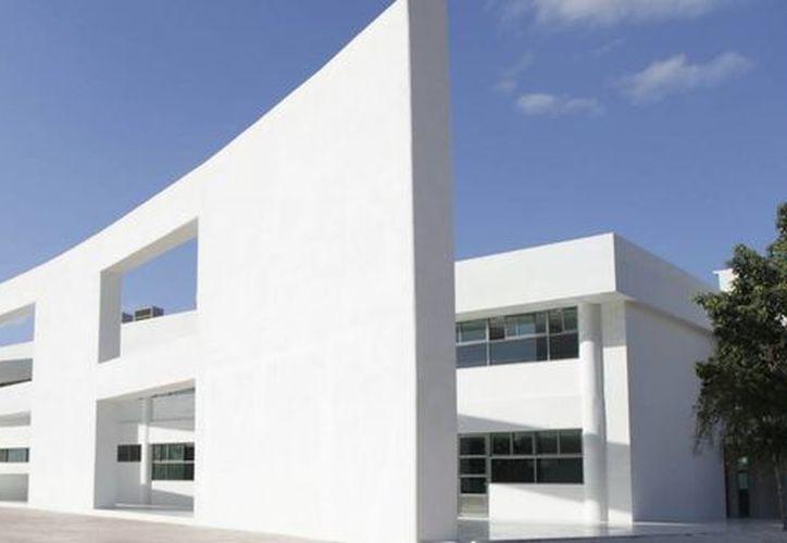La Universidad Politécnica inició su ciclo cuatrimestral con una matrícula de mil 300 alumnos en el campus Cancún. (Redacción/SIPSE)