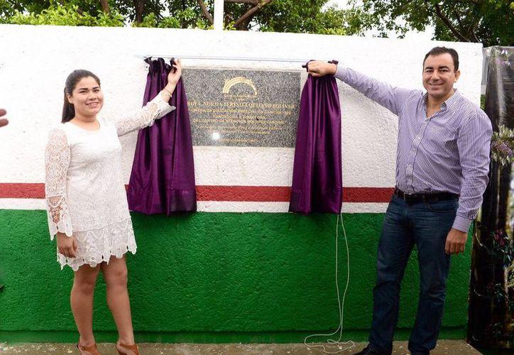 El homenaje se rindió en el en el marco del 22 aniversario del Centro de Atención Múltiple (CAM). (Redacción/SIPSE)