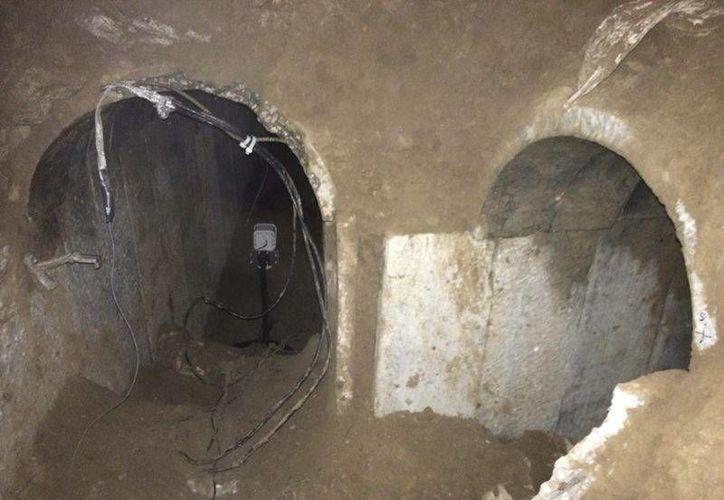 Fotografía proporcionada por el Ejército israelí del túnel descubierto esta semana entre Gaza e Israel. (EFE)