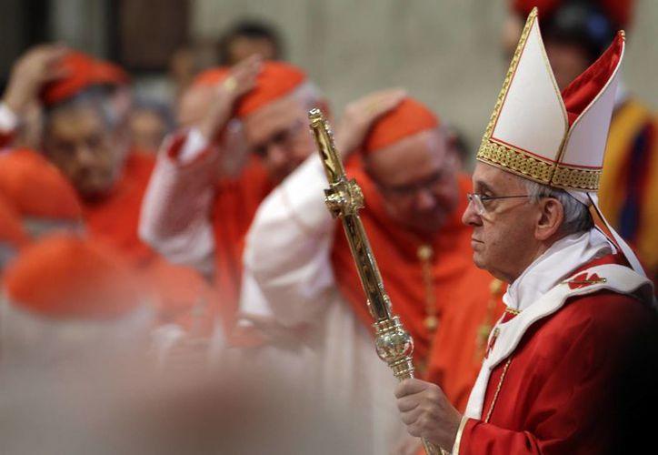 Bergoglio elogió a Ratzinger por su valor y visión. (Agencias)