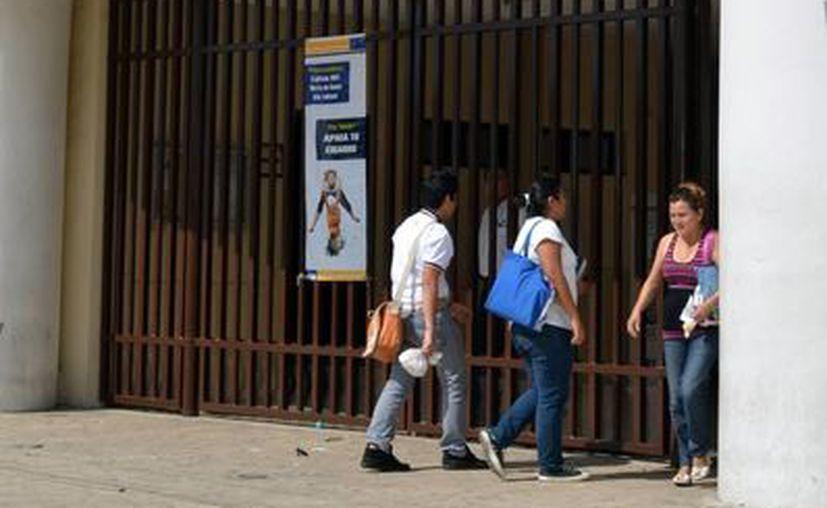 Los planteles que ingresan al Sistema Nacional de Bachillerato, como en esta caso las 3 preparatorias de la UADY, 'son los que han acreditado un elevado nivel de calidad', según la SEP. (SIPSE)