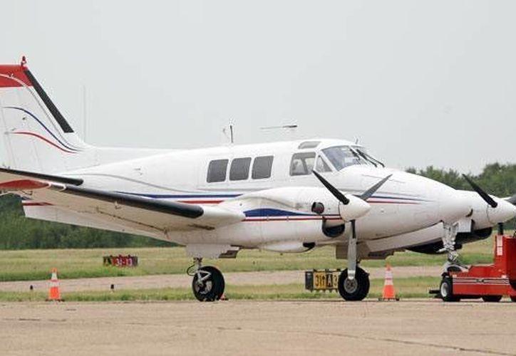 La avioneta decomisada tiene capacidad para 10 pasajeros. (AP/Foto de contexto)