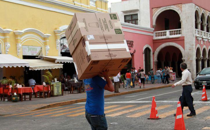"""Según el Gobierno, unos 30 mil yucatecos """"salieron"""" de la informalidad. Además, los ingresos familiares aumentaron 8.5 por ciento en 2016. La imagen está utilizada sólo con fines ilustrativos. (SIPSE)"""