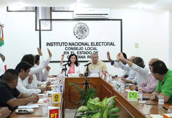 Con la instalación del Consejo Local del Instituto Nacional Electoral  dio inicio el Proceso Electoral para renovar a 15 diputados de mayoría relativa y 10 de representación proporcional en Quintana Roo.  (Daniel Tejada/SIPSE)