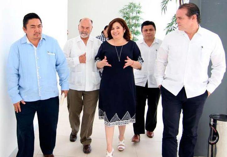 Diputados asistieron a la presentación del 'Compendio Ley de Gobierno del Poder Legislativo del Estado de Yucatán y Disposiciones Complementarias'. (Cortesía)