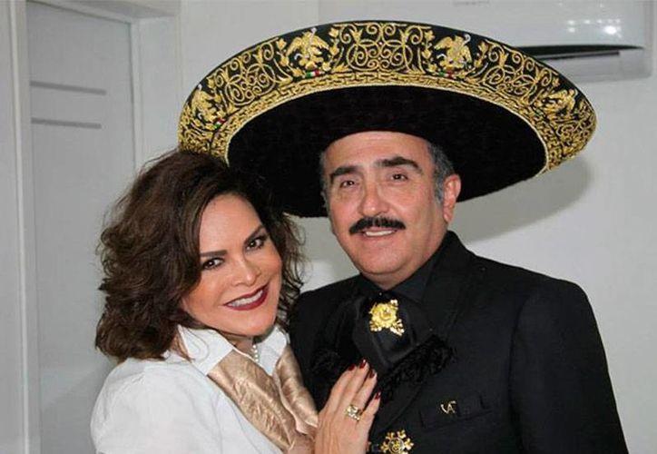 Mara Patricia Castañeda y Vicente Fernández Jr. se casaron en 2007. 8 años después, se les acabó el amor y se dirvorciaron. (excelsior.com.mx)