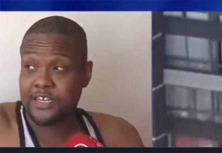 Un ciudadano haitiano atrapó a una mujer que intentó suicidarse. (24 horas).