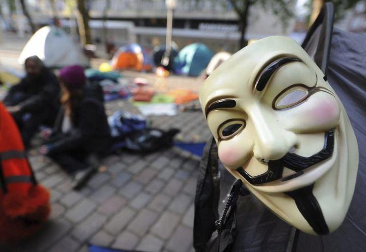 Imagen de una máscara similar a la del protagonista de la película 'V de Vendetta', también utilizada por el colectivo Anonymous. (EFE/Archivo)