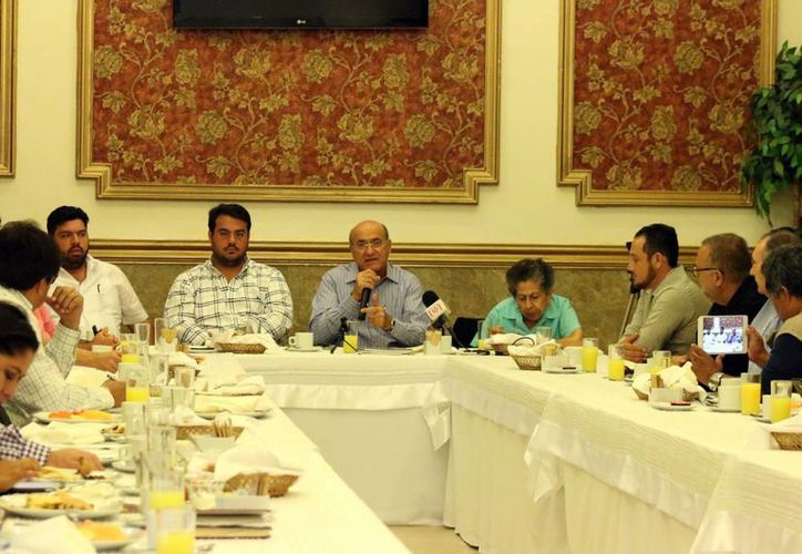 Ricardo Dájer Nahum destacó que la ocupación hotelera ha incrementado en Yucatán. Imagen de la reunión de la Cámara Mexicana de Hoteles de Yucatán  (Milenio Novedades)