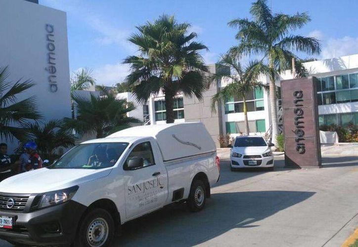 Dos turistas nacionales fueron encontrados sin vida dentro de un condominio de Playacar. (Redacción/SIPSE)