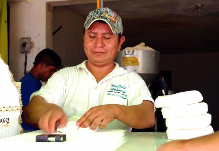 Aumenta el número de personas que trabajan sin prestaciones. (Tomás Álvarez/SIPSE)