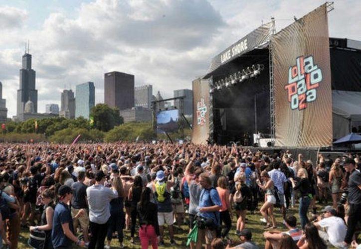 Cientos de miles de personas asistieron al Lollapaloza, incluyendo a Malia Obama, la hija mayor del ex presidente Barack Obama. (Infobae)