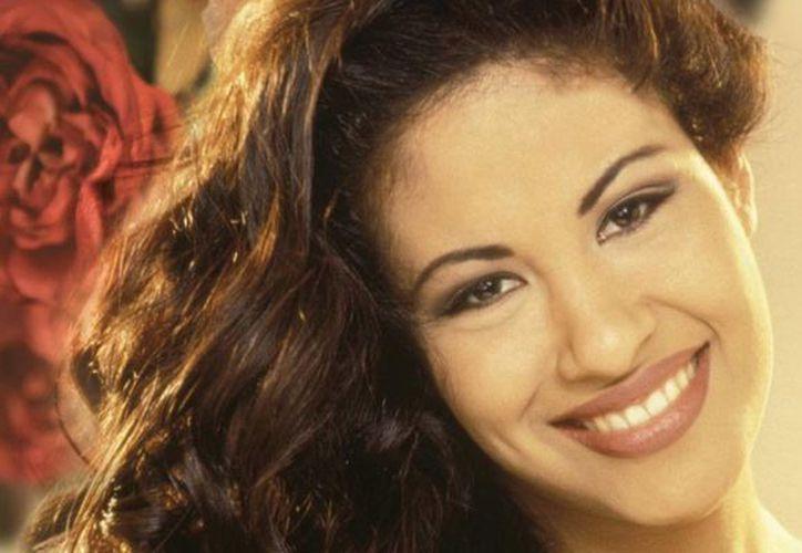 En 2015 se cumplen dos décadas del asesinato de Selena Quintanilla a manos de Yolanda Zaldívar, presidenta de su club de fans. (venevision.net)