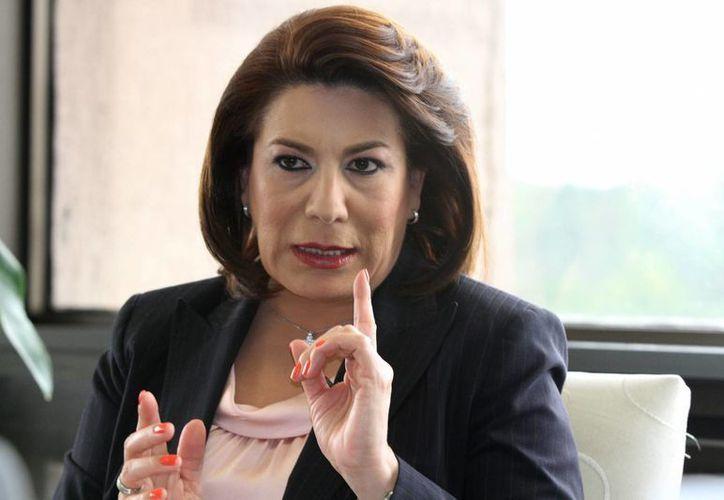 Lorena Martínez Rodríguez, exprocuradora del Consumidor, tomó protesta como abanderada de Nueva Alianza por el gobierno del estado de Aguascalientes. (Archivo/Notimex)
