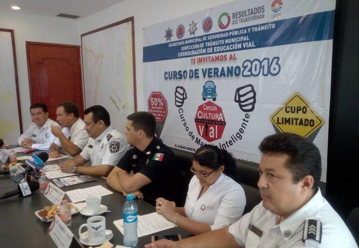 """Las autoridades anunciaron una nueva edición del curso de """"Manejo Inteligente Verano 2016"""". (Eric Galindo/SIPSE)"""