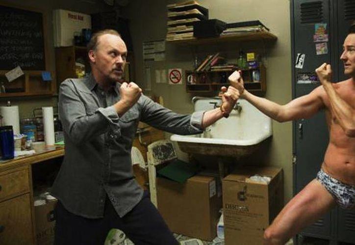 Michael Keaton (i) y Edward Norton, protagonistas de Birdman. (AP)