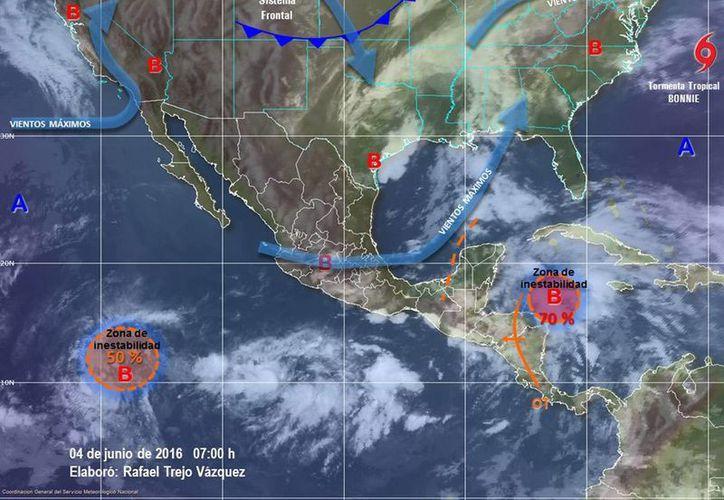 La zona de inestabilidad asociada a una onda tropical en el Mar Caribe registra 70 por ciento de probabilidad para evolucionar a ciclón tropical, de acuerdo con reportes de la Conagua. (Milenio Novedades)