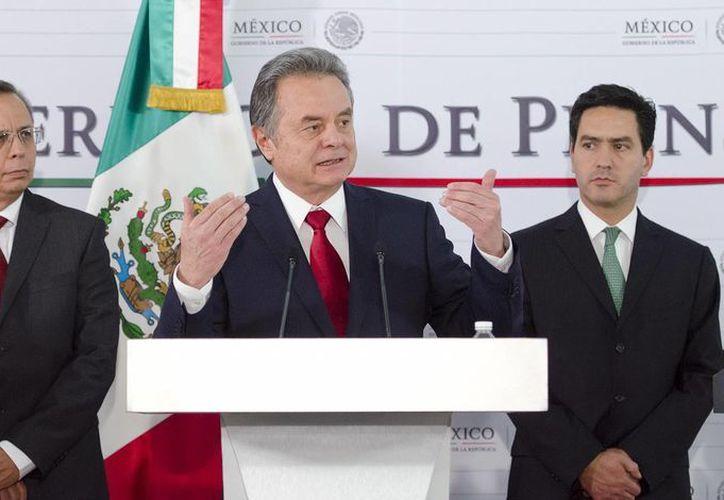 El titular de Sener, Pedro Joaquín Coldwell, aseguró que Pemex y CFE competirán con empresas privadas por la generación de energía eléctrica. (Notimex)