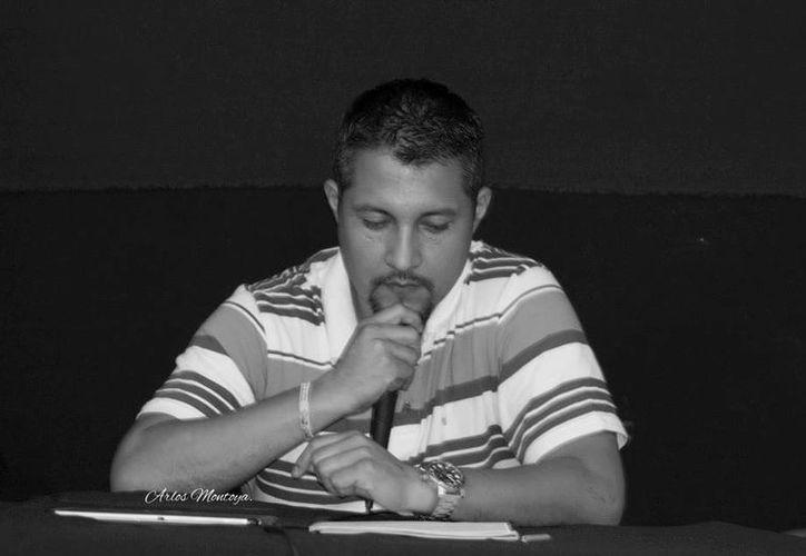 Omar Ortega ganó en la categoría de poesía del concurso. (Foto: Carlos Montoya)