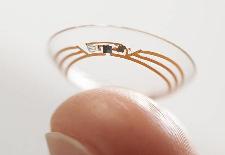 Si pensabas que solo James Bond podía tener lentes de contacto inteligentes, te equivocaste. En breve saldrán al mercado. (Agencias)