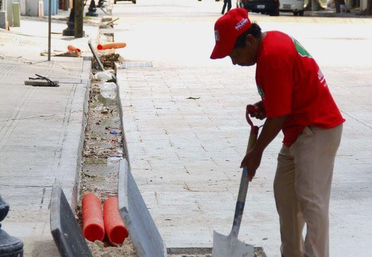 Las obras de rescate del Centro Histórico van al 'ritmo' esperado. (SIPSE)